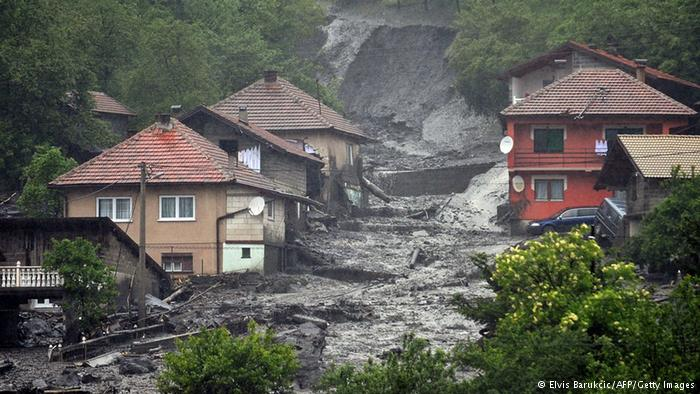 Recent flooding in Boznia-Herzegovina have put thousands at risk. (Photo: ELVIS BARUKCIC AFP/Getty Images)