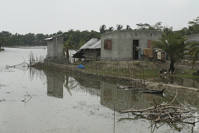 Flooding in coastal Bangladesh. (Image Credit: Susana Secretariat | flickr)